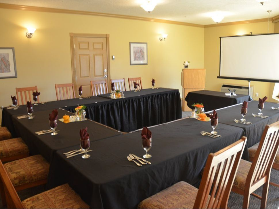 Hilltop Inn Salmon Arm Meeting Space